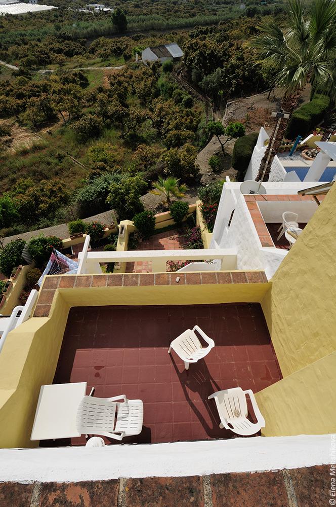 Вид с крыши на террасу спальни
