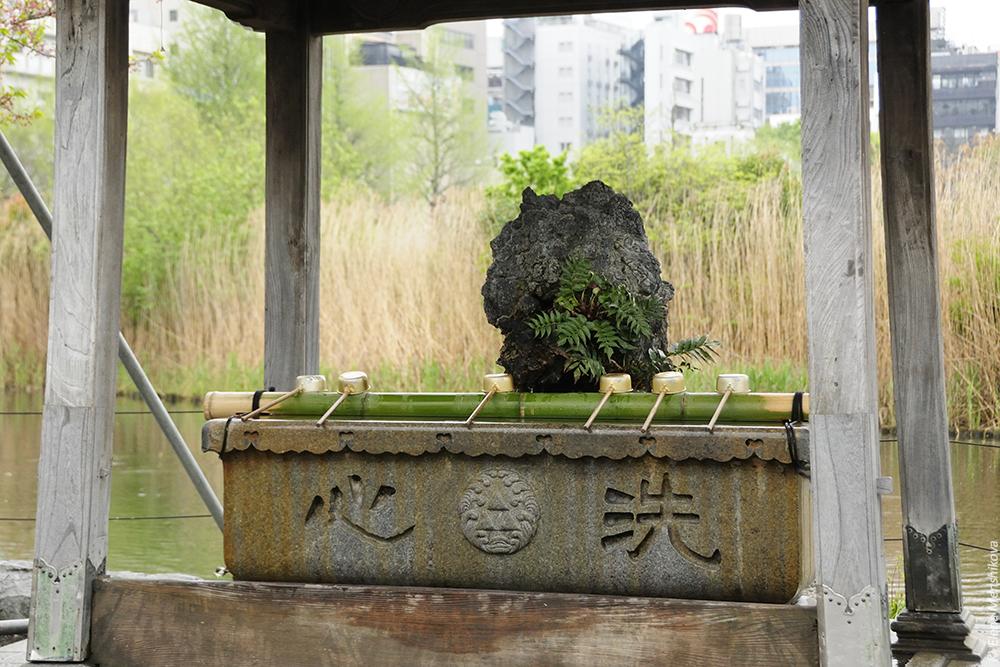 Буддийский храм Shinobazunoike Bentendo (不忍池弁天堂)