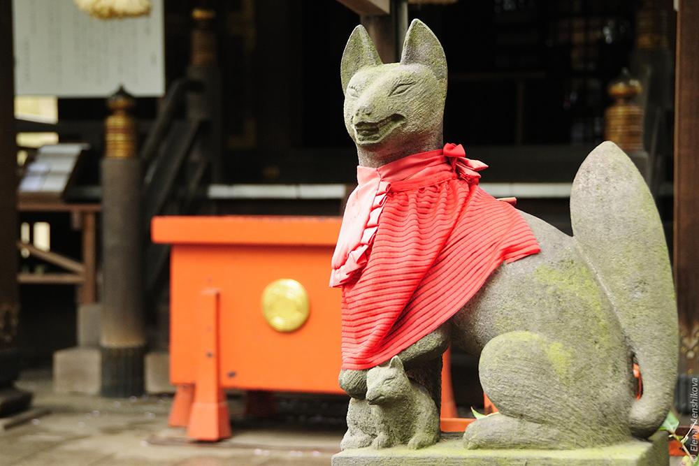 Лисы Кицунэ (狐) - верные спутники богини Инари